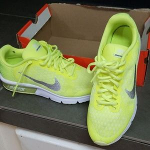 Nike air max sequent 2 6.5 Y